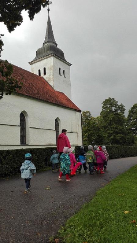 kirik väike